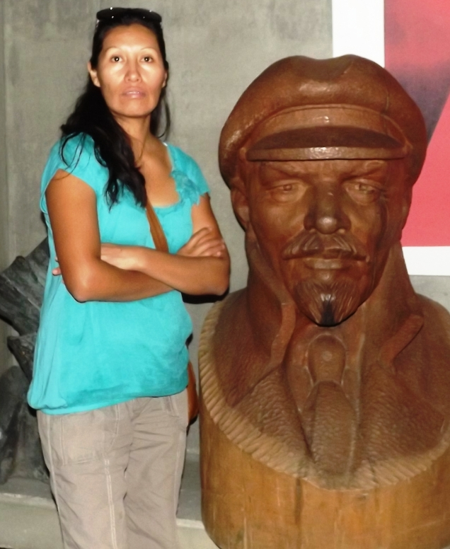 mom doesn't look too impressed with Lenin
