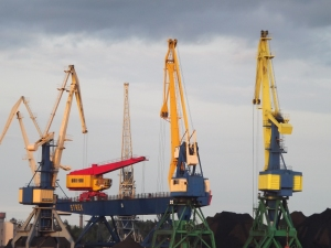 There aren't enough photos of cranes