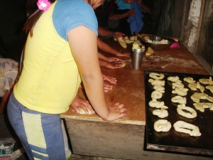 Making Guagas de Pan