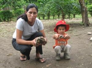 The communidad had some turtles to admire